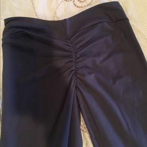 Cls dark grey butt scrunch leggings size small
